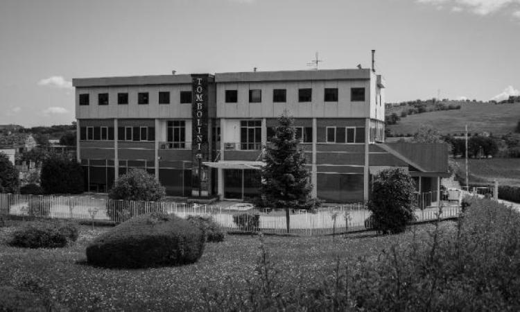 L'azienda Tombolini converte parte della sua produzione per la realizzazione di mascherine e camici medici