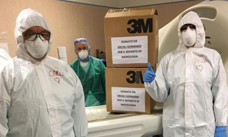 Civitanova, l'imprenditore Germano Ercoli regala 500 mascherine al reparto di radiologia (FOTO)