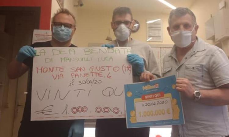 """Monte San Giusto, maxi vincita da un milione di euro alla Tabaccheria """"La Dea Bendata"""""""