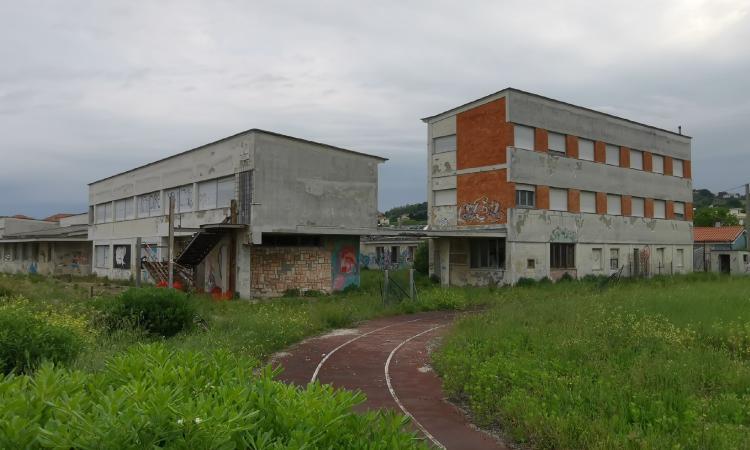 """Ex liceo scientifico a Fontespina, parlano i cittadini: """"Ci aspettiamo che Ciarapica mantenga le promesse"""" (FOTO)"""