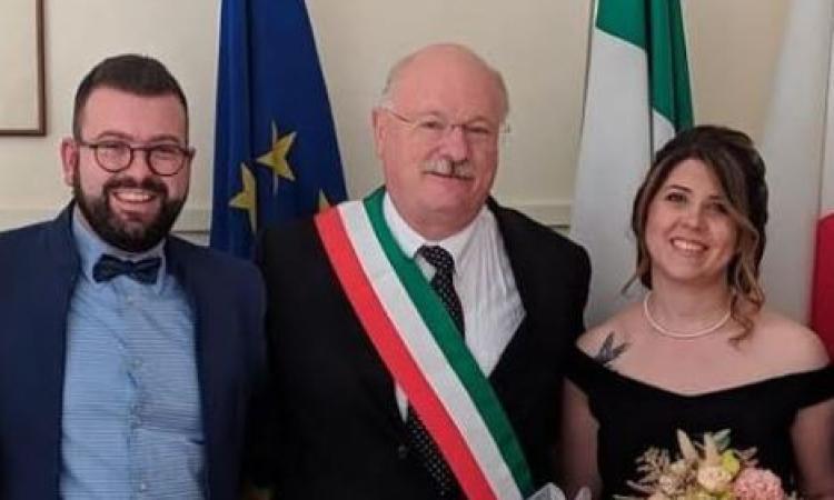 """Il Comune di Matelica, celebra il primo matrimonio post-Covid: Cristina ed Andrea si dicono """"sì"""""""