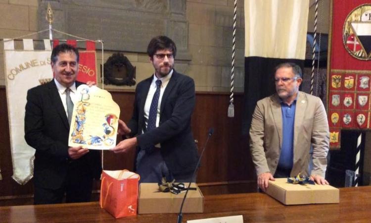 San Ginesio e Siena rinsaldano un'amicizia lunga 57 anni: cerimonia alla Sala delle Lupe (FOTO)