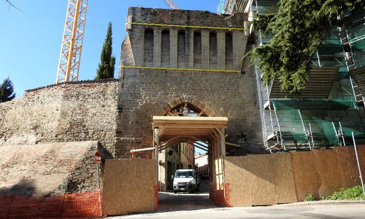 Tolentino, lavori di restauro per Porta Marina: approvato il finanziamento