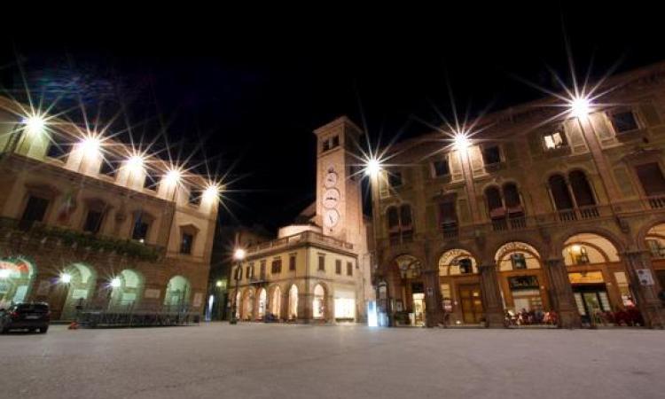 Tolentino, tornano i giovedì sera dedicati allo shopping in centro storico