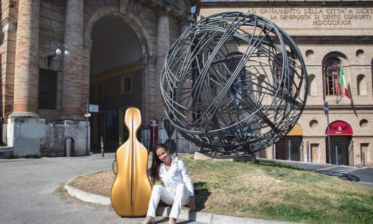 Castelsantangelo, Lavinia a soli 13 anni diventa direttrice artistica: è la più giovane d'Italia