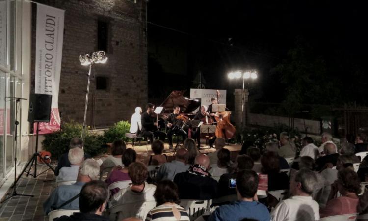 """Serrapetrona, Palazzo Claudi apre il suo cortile per ospitare l'ottavo """"Festival d'Estate"""""""