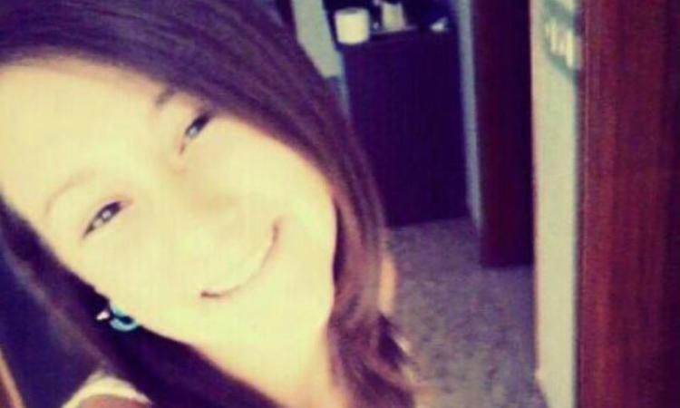Giorgia Pigliapoco festeggia 18 anni: l'abbraccio di Montefano