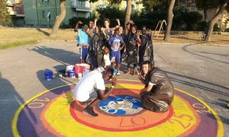 Porto Recanati, bambini e ragazzi colorano Parco Kromberg: si replica il 19 settembre