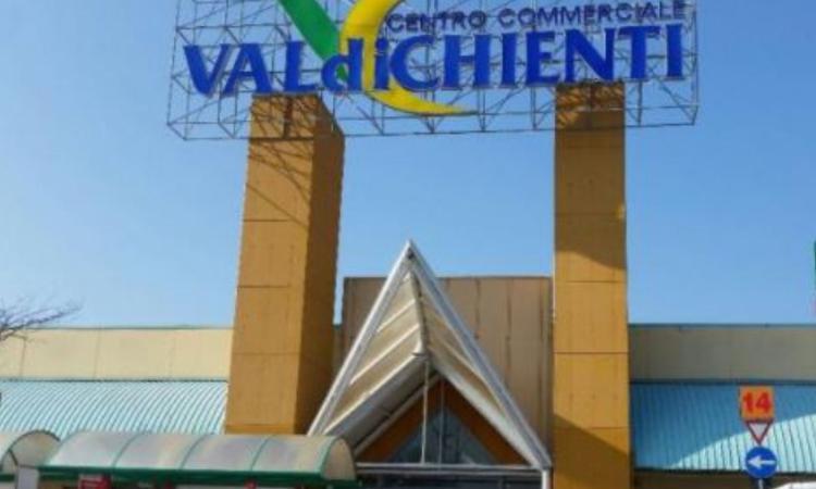 """Centro Commerciale Val di Chienti, raccolta e riciclo dei mozziconi con """"Spegni Sostenibile"""""""