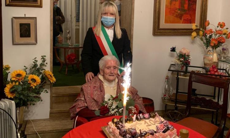 San Severino, Luigia Vissani spegne 106 candeline: gli auguri anche dal sindaco Piermattei