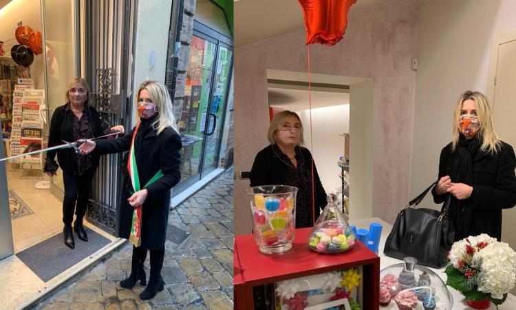 """Macerata, taglio del nastro per una nuova attività in centro: Tiziana Frontini inaugura """"Up"""""""