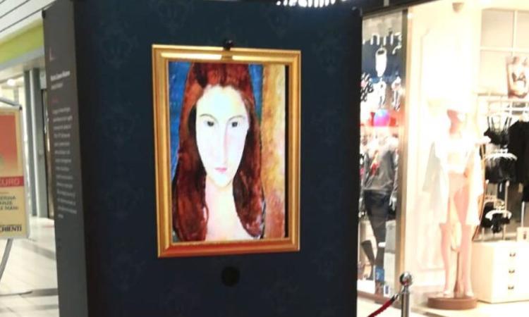 """Grande successo al centro commerciale Val di Chienti per la mostra """"Art Revolution"""""""