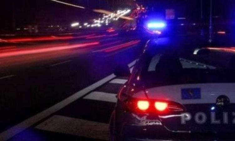 """""""Finti carabinieri mi hanno affiancato in superstrada e rubato il Rolex"""": la denuncia di un 51enne"""