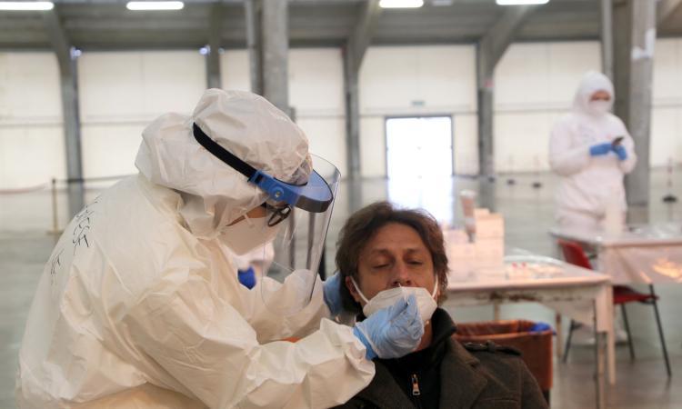 Coronavirus Marche, 480 nuovi casi in 24 ore: 121 quelli in provincia di Macerata
