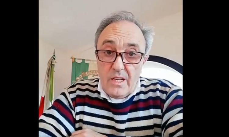 """Esanatoglia, lo sfogo del sindaco: """"Sempre più multe, raccogliete gli escrementi dei vostri cani"""" (VIDEO)"""