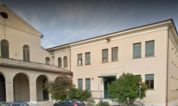 Tolentino, aumenta il focolaio Covid alla casa di riposo: positivi 80 ospiti, 5 trasferiti all'ospedale