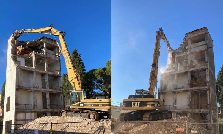 Macerata, i Vigili del Fuoco dicono addio allo storico castello di manovra: al via la demolizione