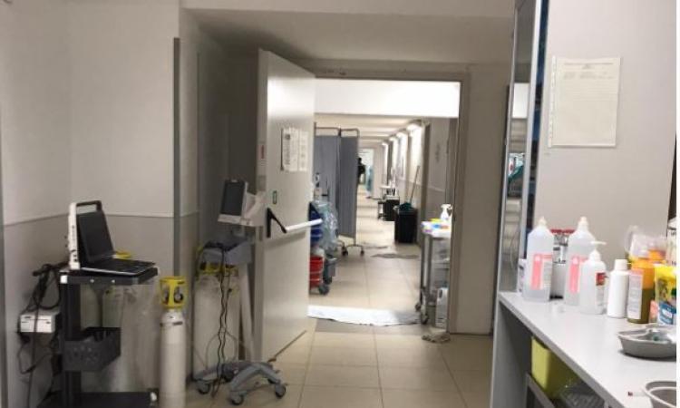 """Focolaio Covid Ospedale di Fermo, 71 i sanitari positivi: """"siamo alla ricerca di ulteriore personale"""""""