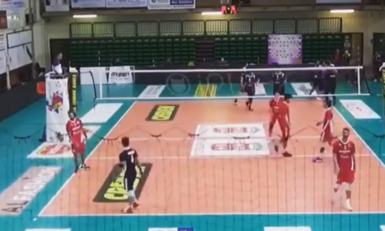 Paoloni Macerata, contro Ancona il punto dell'anno: spettacolare alzata in rovesciata (VIDEO)
