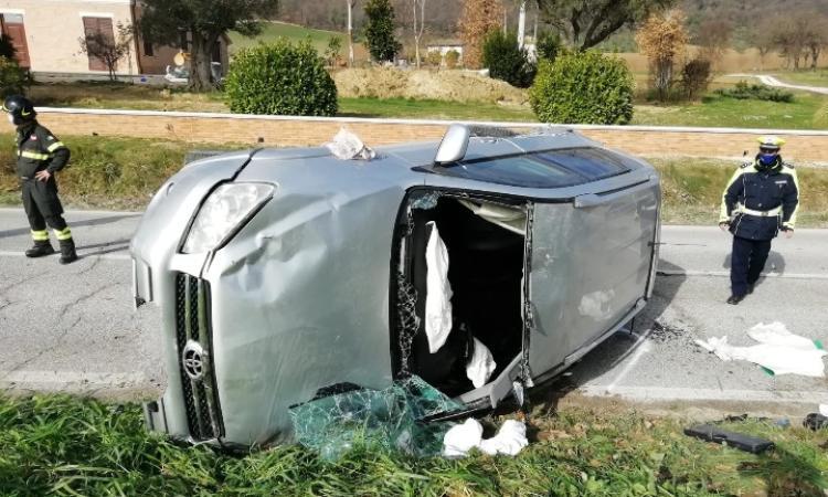 San Severino, incidente all'incrocio: tre feriti in ospedale, di cui uno in gravi condizioni (FOTO)