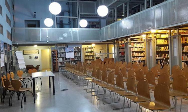 """Civitanova, si amplia l'orario della Biblioteca """"Zavatti"""": al via il progetto """"Letture in terrazza"""""""