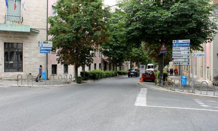 Macerata, apertura pozzetti per la posa di cavi in viale Don Bosco: come cambia la viabilità