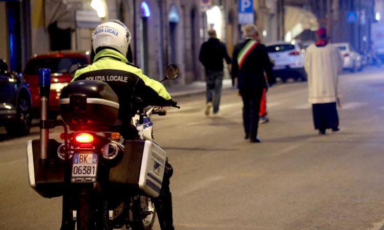 Macerata, il covid non ferma la processione del Venerdì Santo: come cambia la viabilità