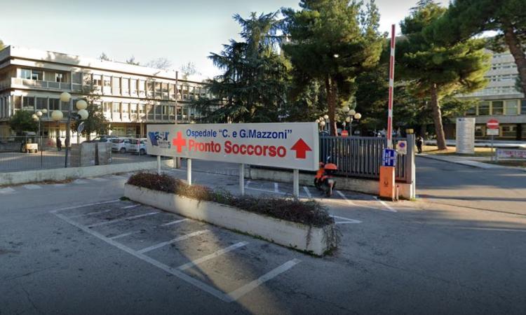 Parto 'anti-covid' all'Ospedale di Ascoli: mamma positiva dà alla luce una bimba prematura