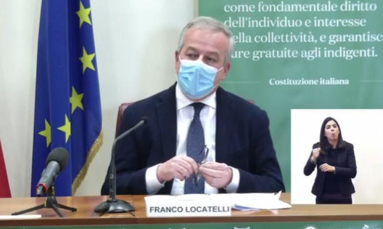 """Vaccini AstraZeneca, Locatelli: """"Raccomandato uso per over 60, nessuno stop della seconda dose"""""""