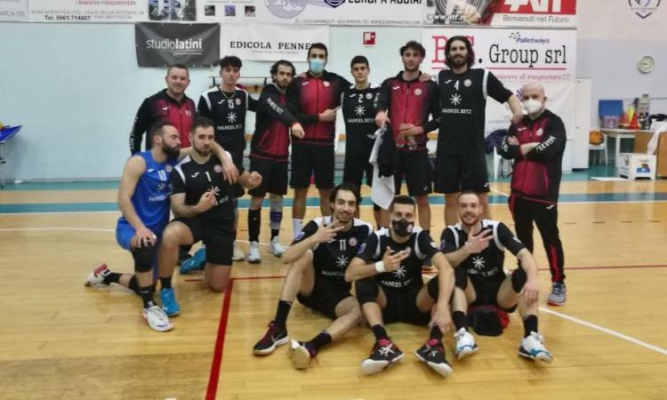 Volley, Paoloni Macerata da 10 e lode: Alba Adriatica battuta e regular season 'immacolata'