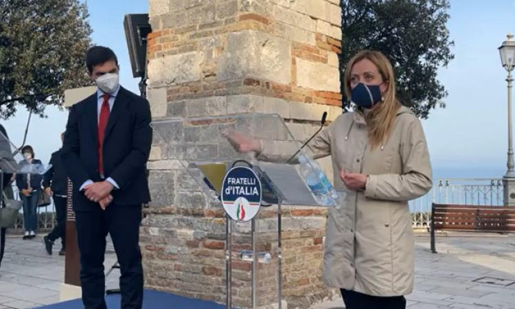 """Marche, Meloni 'promuove' Acquaroli: """"Orgogliosa del lavoro fatto, Regione d'avanguardia"""""""