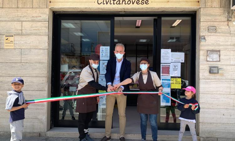 """Civitanova, apre la """"Bottega Civitanovese"""": prodotti di qualità a chilometro zero (FOTO)"""