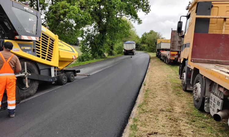 Strada provinciale Bivio Vergini-Civitanova: interventi di asfaltatura in fase di ultimazione