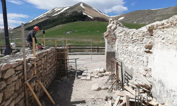 """La """"bella stagione"""" dà il via ai lavori nella chiesa della Madonna della Còna (FOTO)"""