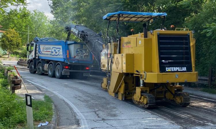 """Appignano, nuovo asfalto per la provinciale 57 """"Jesina"""": lavori da 300mila euro"""