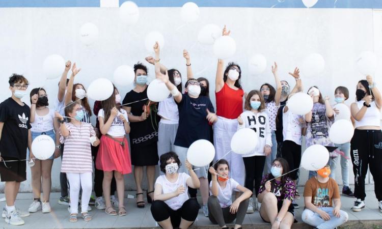 Montecosaro - Toccante festa di fine anno per alunni, insegnanti e genitori della classe 5°C