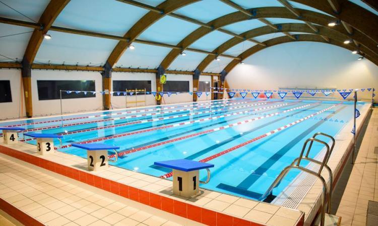 """Macerata, con il passaggio in zona bianca riapre la piscina al chiuso: """"Finalmente ci siamo"""""""