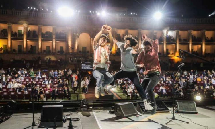Macerata, i The Jab vincono Musicultura e dedicano il successo a Michele Merlo