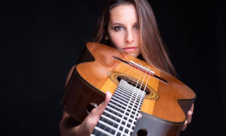 Cingoli,  la talentuosa chitarrista Carlotta Dalia per i Concerti di Appassionata