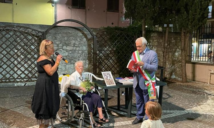 Porto Recanati festeggia Hena Marchegiani: una turista fedele da 70 anni
