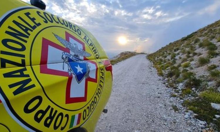 Rovinosa caduta con la moto da enduro: turista inglese soccorso in eliambulanza