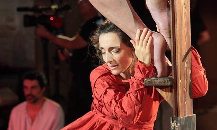 """Il """"Mater"""" di TeatrOpera incanta l'Abbadia di Fiastra"""