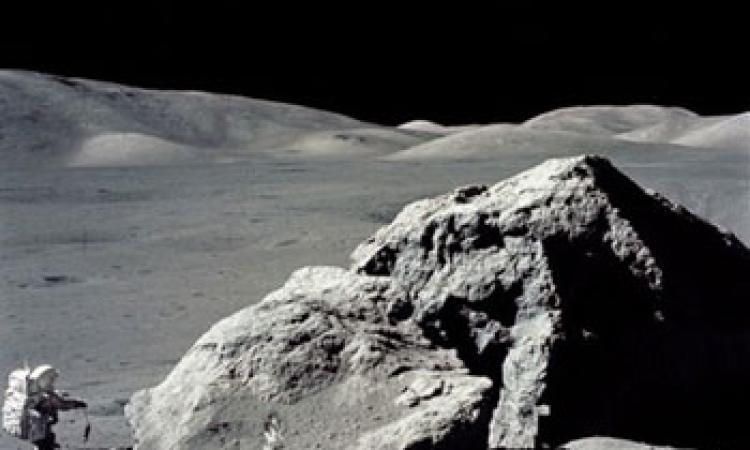 Unicam: per tre giorni un frammento di roccia lunare al Museo delle Scienze