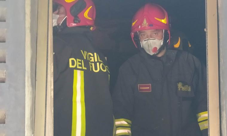 Dramma a Recanati, divampa un incendio in un'abitazione: c'è una vittima (FOTO)